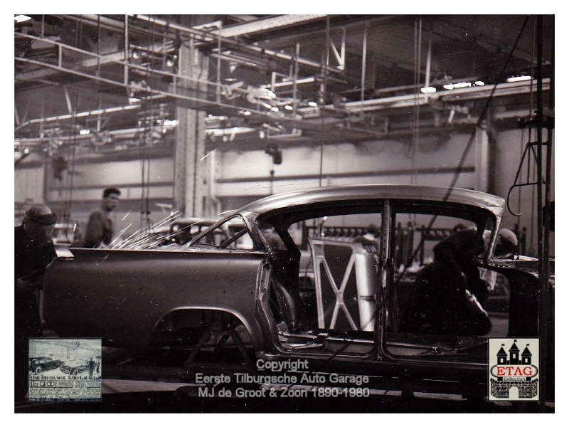 1958 Vauxhall Luton Factory visited by Dutch dealers (05)
