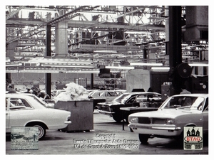 1967 Vauxhall Luton Factory visited by Dutch dealers (01)