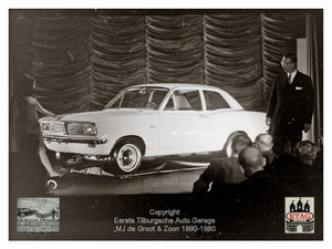 1967 Vauxhall Luton Factory visited by Dutch dealers (00b)